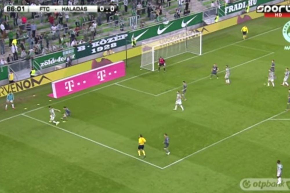 ZANEO SE: Igrač Ferencvaroša je izveo toliko dobar potez da ga je sudija imitirao