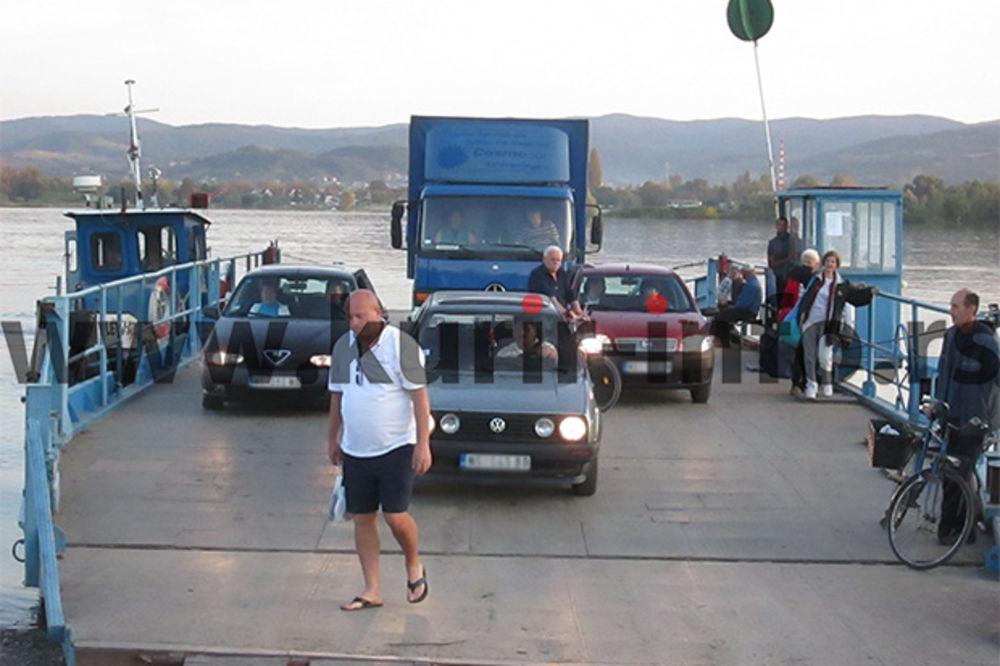 TRAGEDIJA U BEOČINU: Žena vozilom sa skele sletela u Dunav!