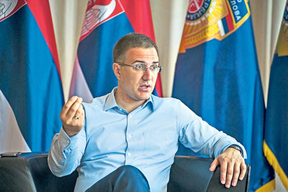 Stefanović: Suspendovaćemo žandarme koji su prebili Andreja