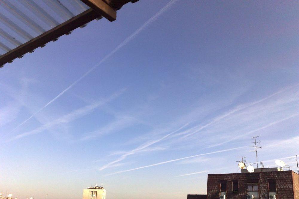 ČITAOCI JAVLJAJU: Jutros nebo iznad Beograda