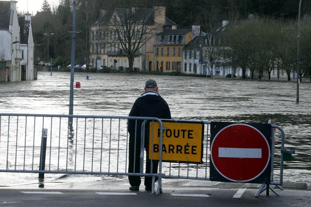 POPLAVE U FRANCUSKOJ: Proglašena vanredna situacija u 60 gradova!