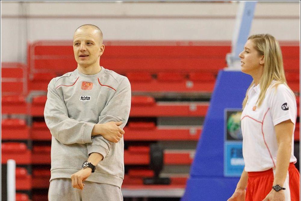 POBEDA ZA SRĐANA SARIĆA: Košarkašice trijumf posvetile preminulom treneru