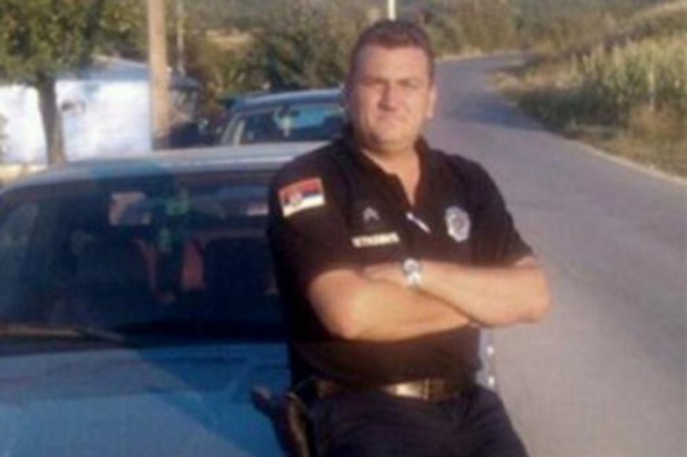 EKSKLUZIVNO  UHAPŠEN POLICAJAC: Pozivao na ubistvo Andreja Vučića!