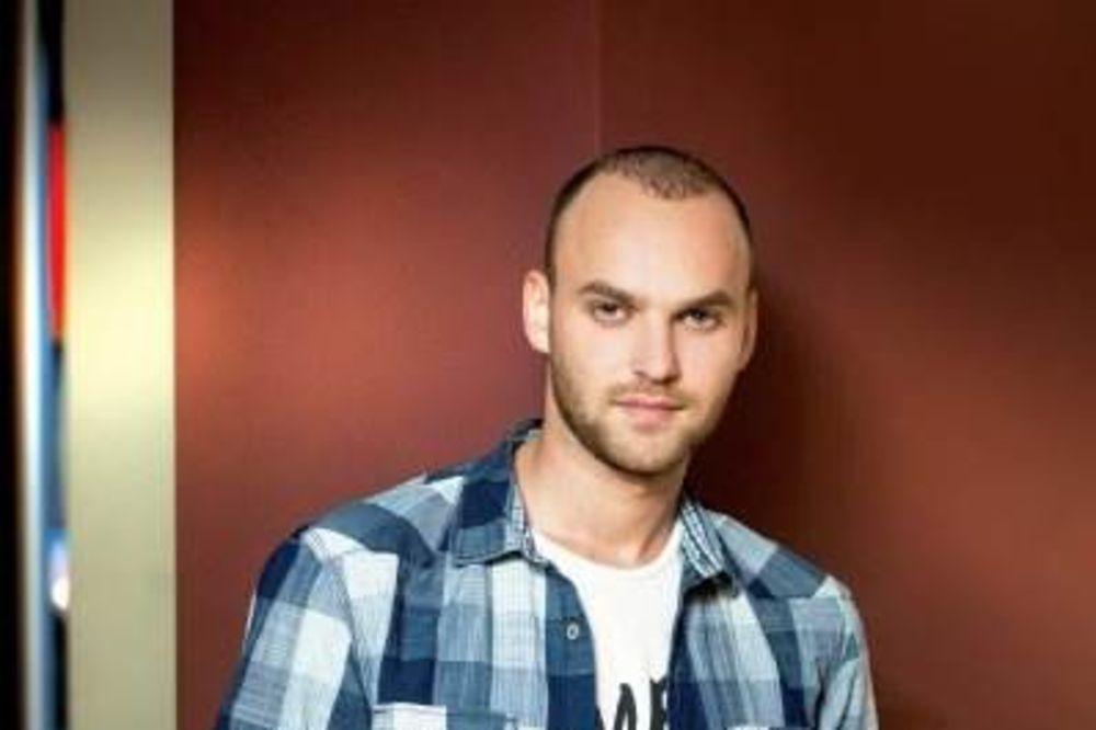 POVRATAK NA SCENU: Danijel Alibabić otkrio tekst novog singla!