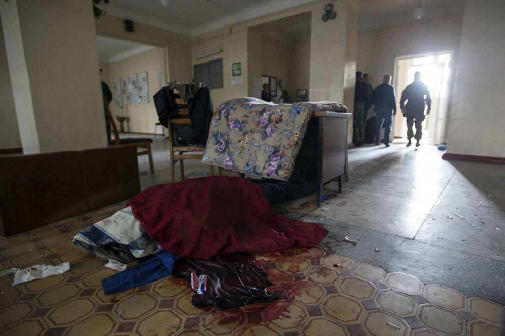 MASAKR: Najmanje 11 mrtvih u granatiranju škole i autobusa u Donjecku