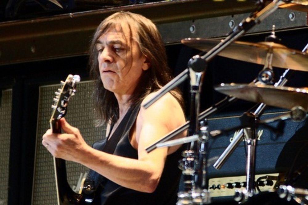 BORBA MALKOMA JANGA: Slavni muzičar boluje od Alchajmerove bolesti!