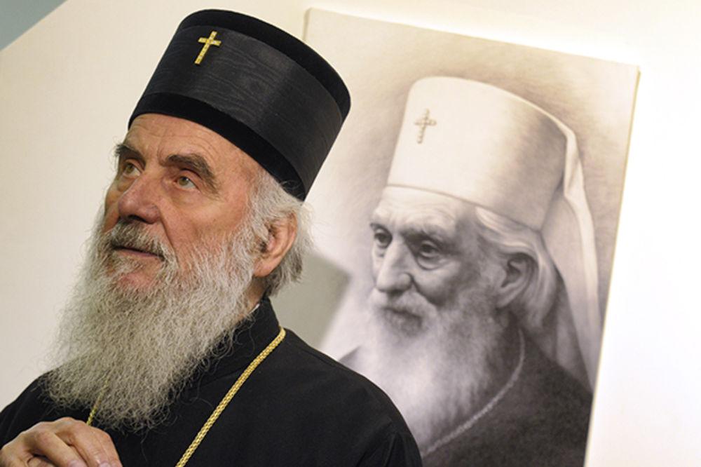 POSETILI DEČAKA U KOMI: Patrijarh Irinej i vladika Arsenije posetili Vuka Ercega u Tiršovoj