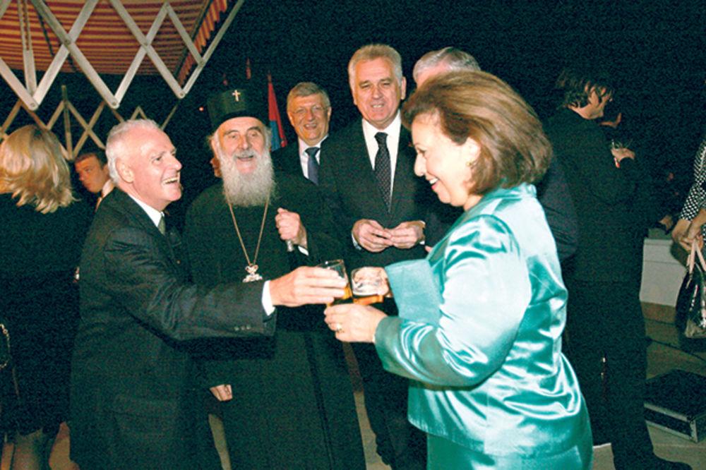 PAPARACO: Princeza Katarina čuvala krigle piva