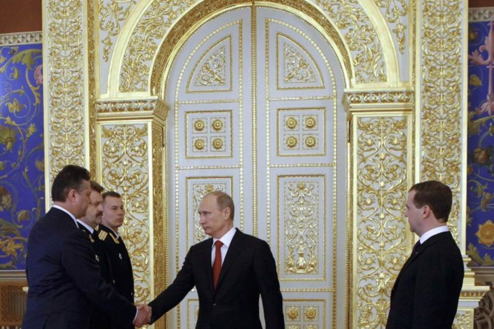POSETA RUSKOG PREDSEDNIKA: Putin u Srbiju donosi atomsko koferče!