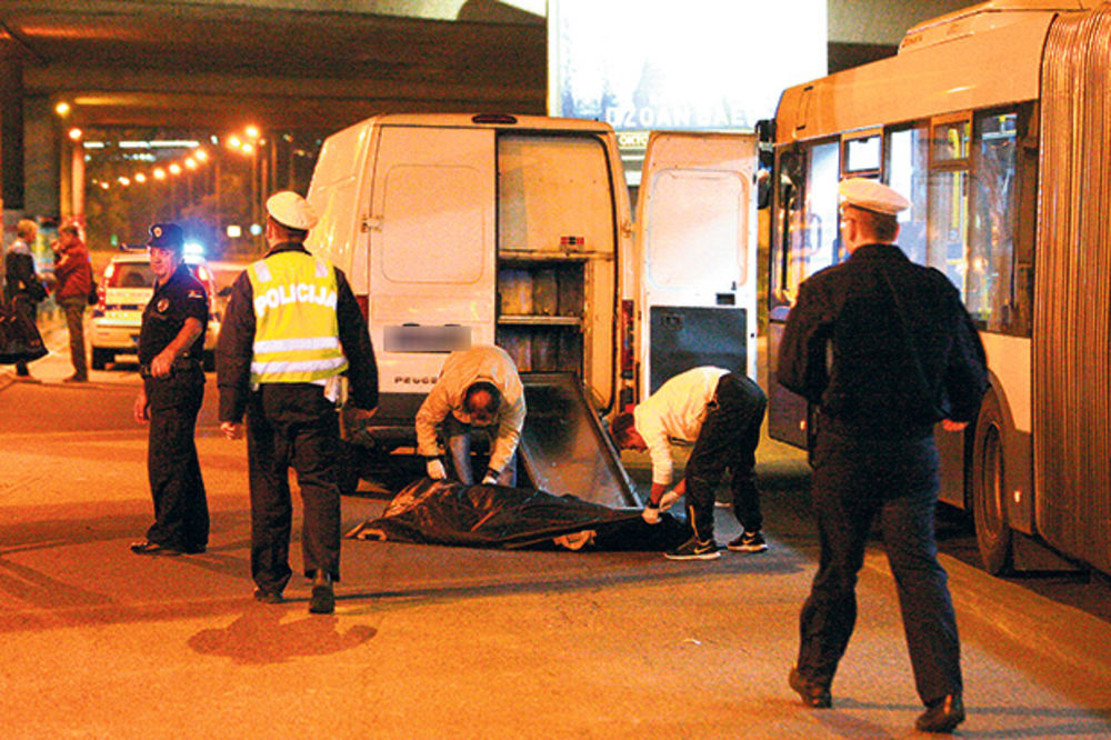 SMRT NA AUTOKOMANDI: Potrčao do kioska i poginuo