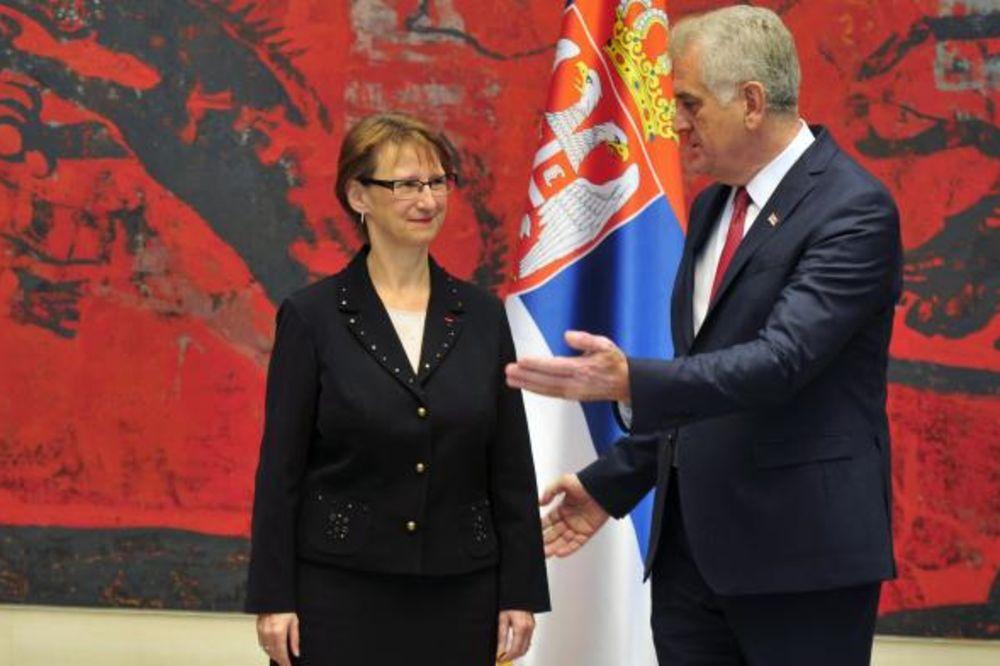 Nikolić primio akreditive nove ambasadorke Francuske