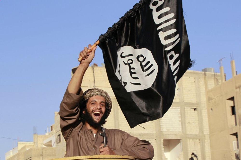 ISIL OBJAVIO VODIČ ZA DŽIHADISTE: Pravite se da ste turisti i ponesite adapter za struju!