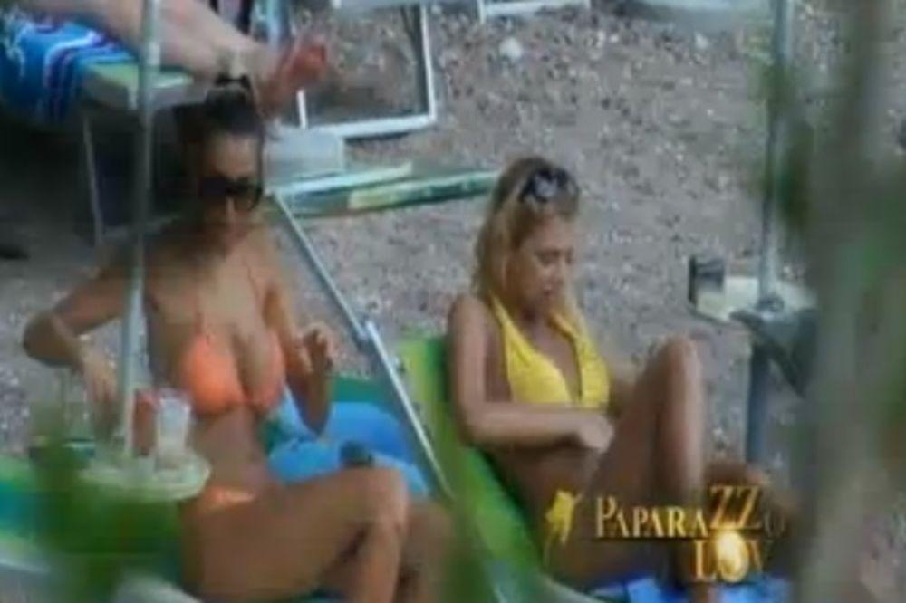 VRUĆA DŽAJINA KĆI: Pogledaje seksi Draganu kako uživa na plaži!