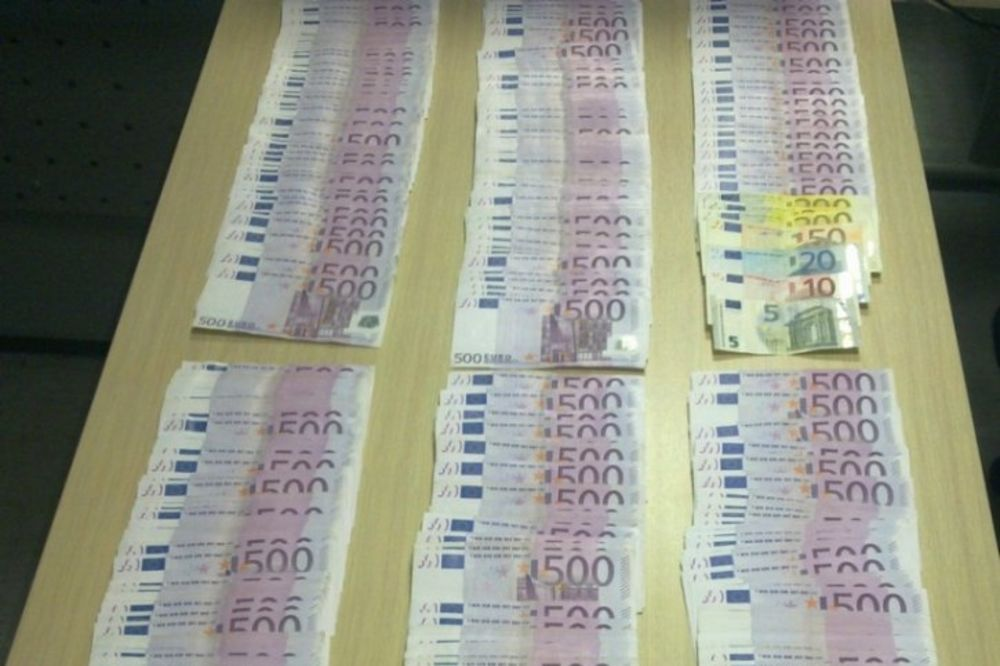SPREČEN ŠVERC DEVIZA: Carinici otkrili 300.000 evra