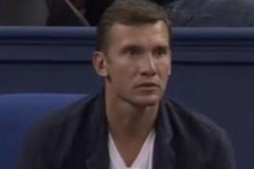 (FOTO) VELIKI PRIJATELJI: Ševčenko bodrio Novaka do četvrtfinala Šangaja