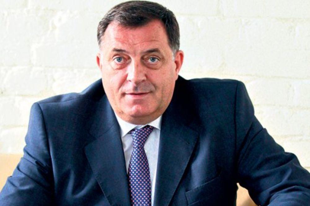 JEDNOGLASNO: Dodik ponovo predsednik SNSD, najavio referendum 2018.