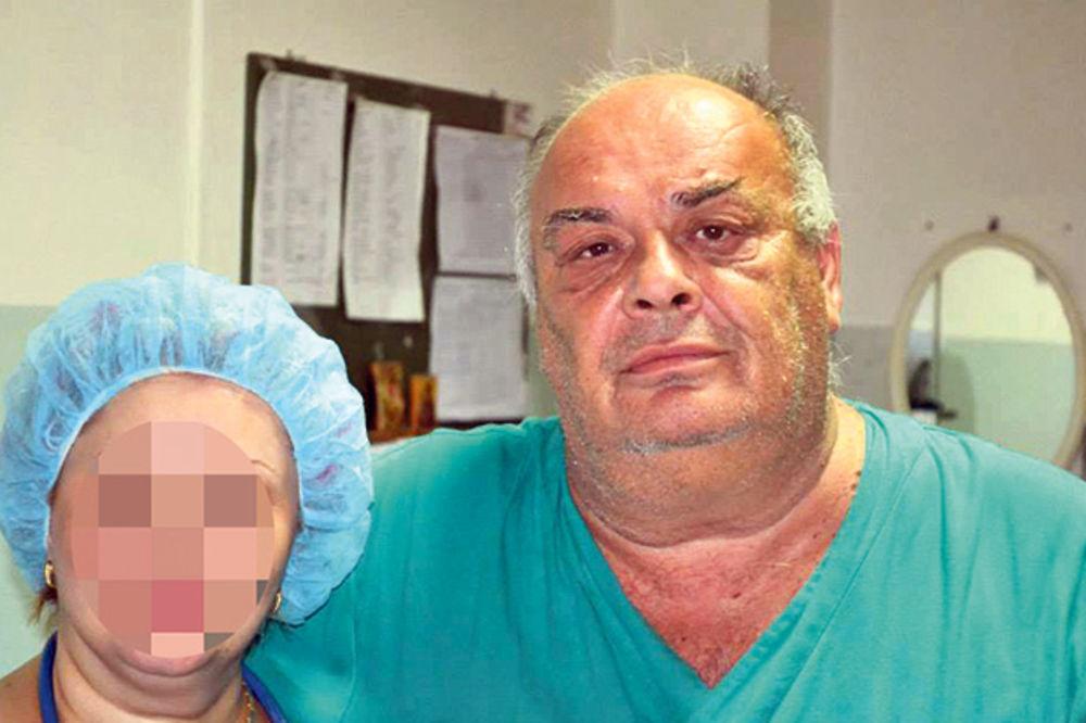 POLUDELI DOKTORI: Hirurg se hvali slikama iskasapljenog čoveka, ginekolog selfijem sa porođaja!