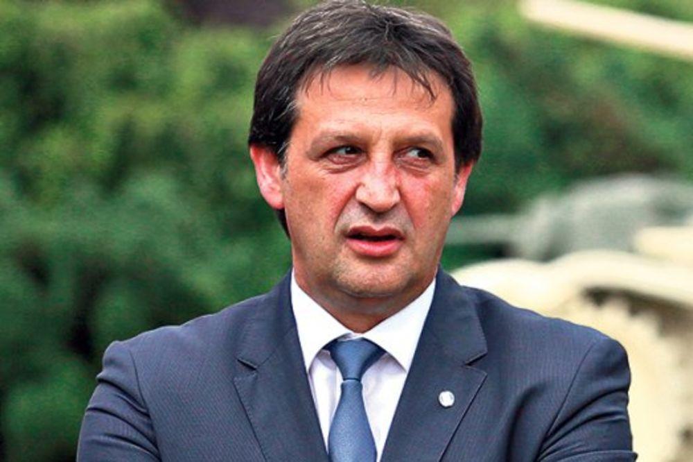 GAŠIĆ I AMBASADOR IKONOMIDES: Unaprediti saradnju Srbije i Grčke u oblasti odbrane