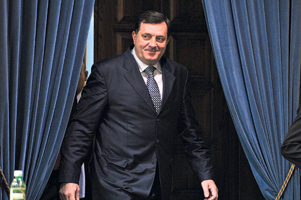 DEDA PO PETI PUT: Milorad Dodik dobio unuku Niku