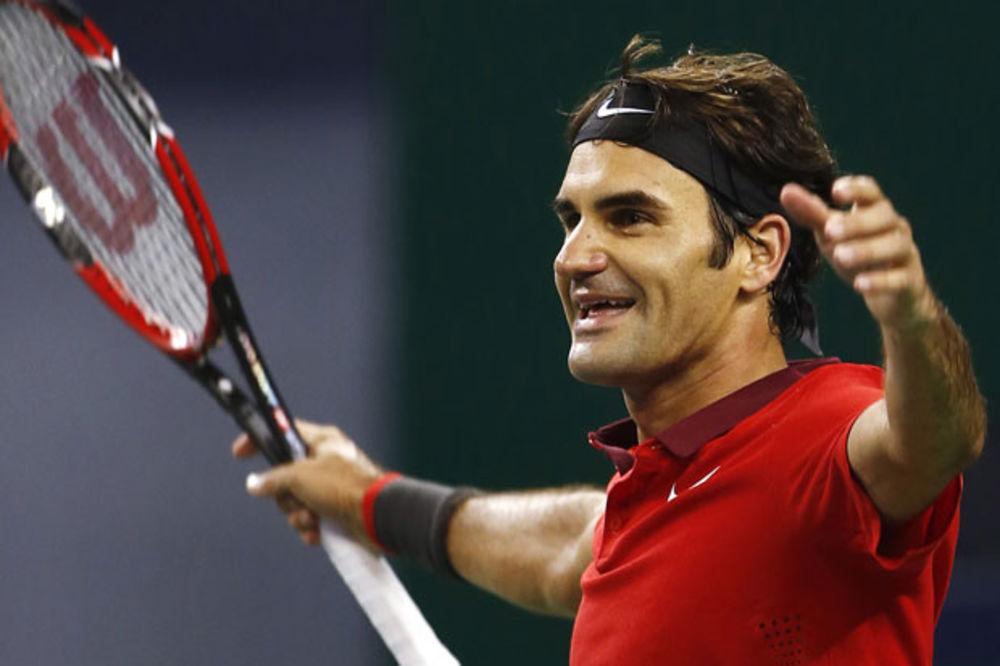 MAJSTOR OSTAJE MAJSTOR: Federer čudesnim lobom oduševio Maldinija i Ševčenka