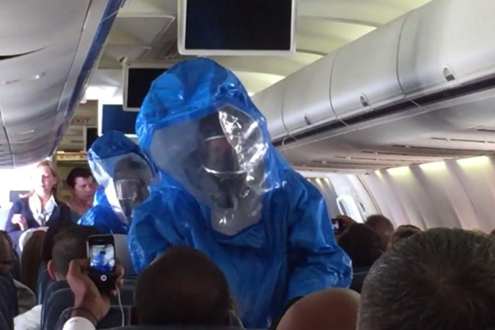 (VIDEO) KINUO I IZAZVAO PANIKU: Evo zašto se u avionu nikako ne smete našaliti da imate ebolu!