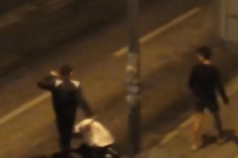 (VIDEO) POGLEDAJTE KRVAVI OBRAČUN: Mladići brutalno pretukli žrtvu na Bajram!