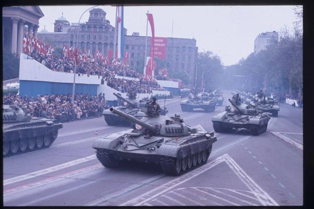 SILA JUGOSLOVENSKE NARODNE ARMIJE: Beograd grmeo na poslednjoj vojnoj paradi 1985! (VIDEO)
