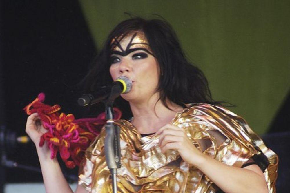 EKSCENTRIČNA IKONA: Pevačica Bjork snima novi album