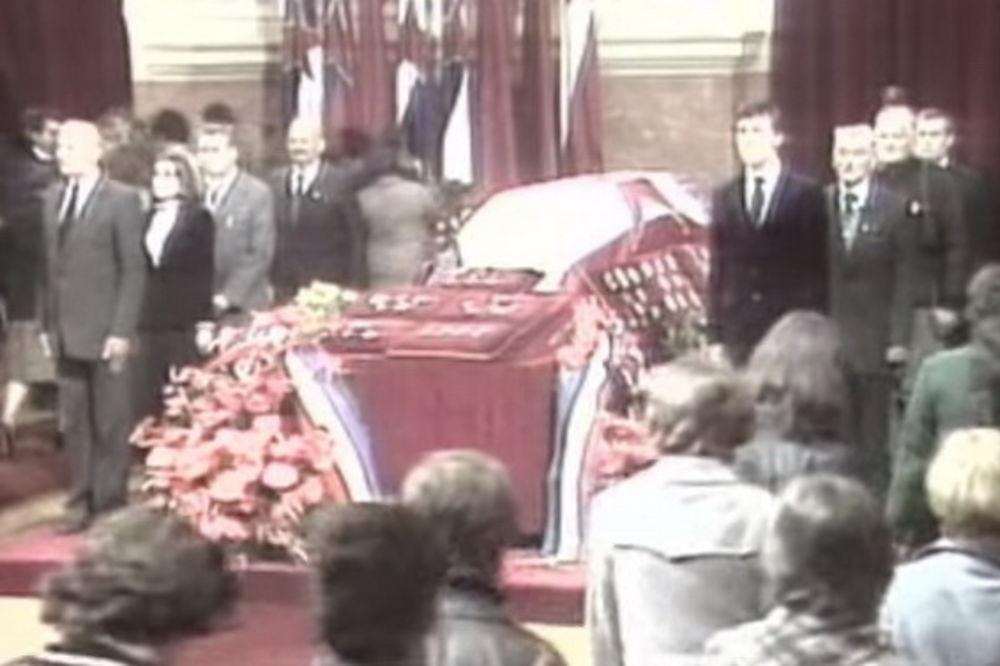 POSLEDNJA TITOVA PREVARA: Narod plakao nad kovčegom punim peska!