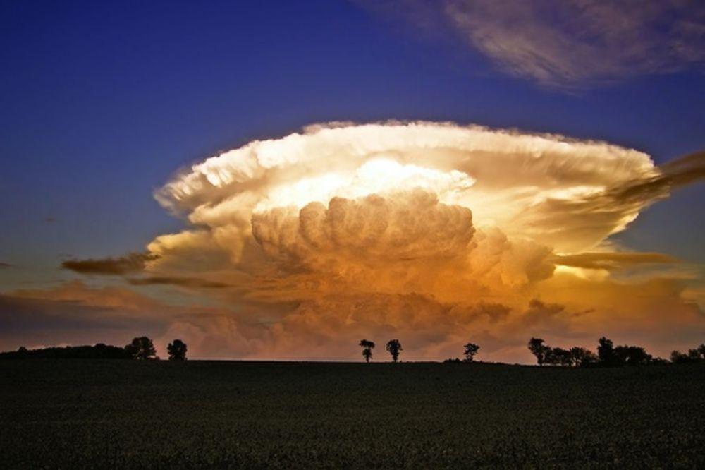ČUDO SA NEBA: Pogledajte ove oblake zastrašujuće lepote!