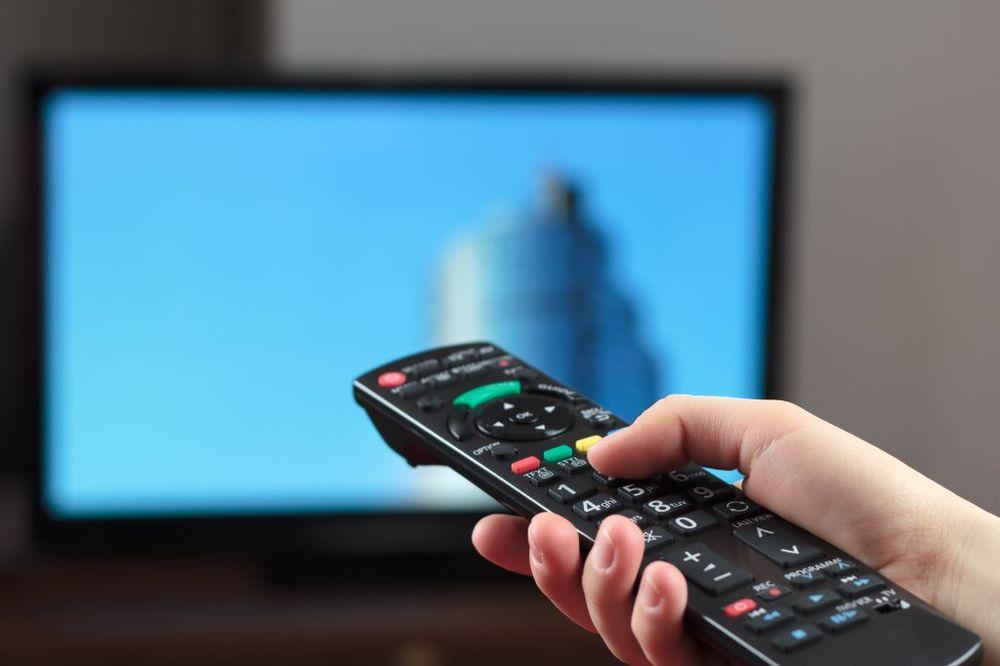 SAMSUNG UPOZORAVA: Pazite šta pričate ispred televizora! Evo šta može da vam se dogodi...
