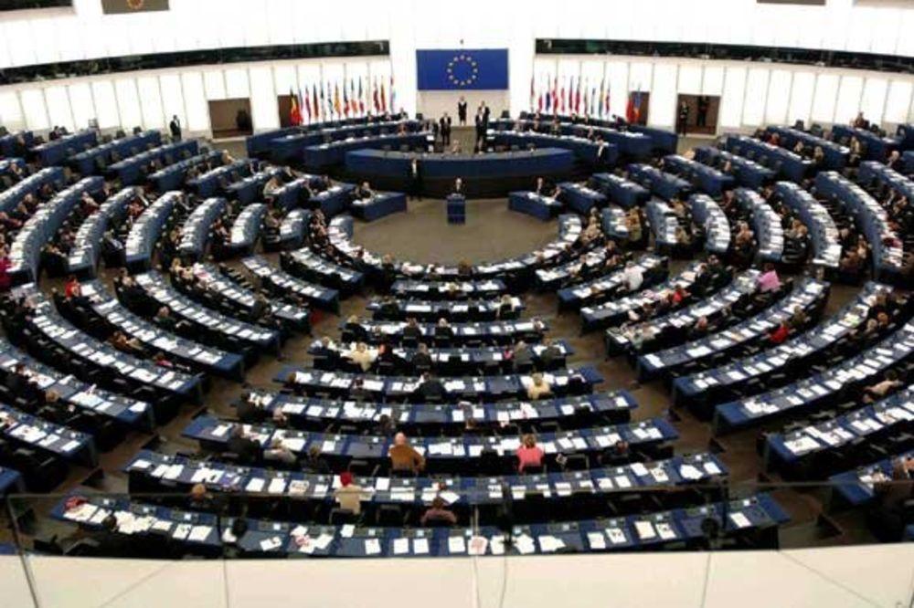 VELIKE PARE: Austrijski poslanici u Parlamentu EU primaju više plata!