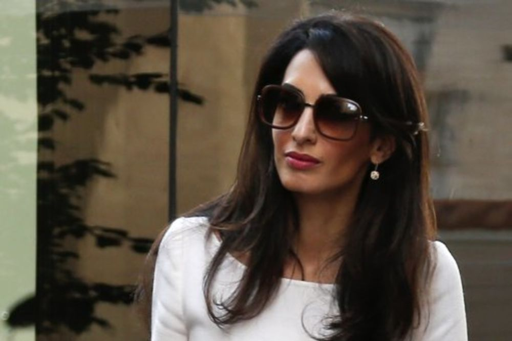 POSLOVNA I ELEGANTNA: Amal Kluni prvi dan na poslu posle medenog meseca