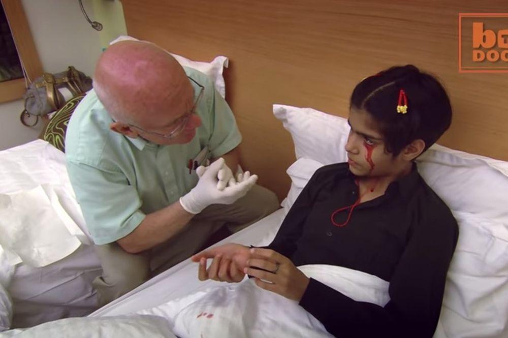 (VIDEO) DEVOJČICA KRVARI GDE I ISUS HRIST: Tvinkl (13) iz čista mira plače krv!