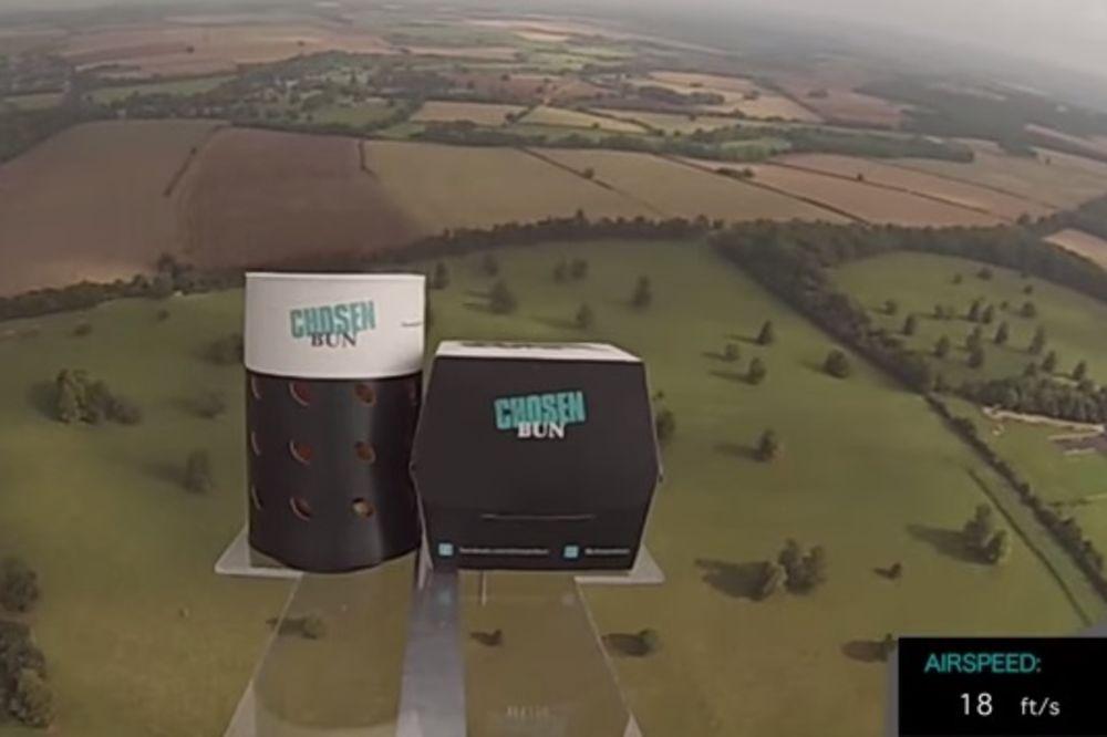 (VIDEO) Prva pljeskavica sa pomfritom u svemiru!