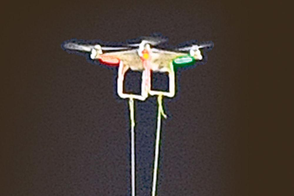 LANSIRAO DRON: Albanac Morinaj poslao letelicu sa kupole crkve!