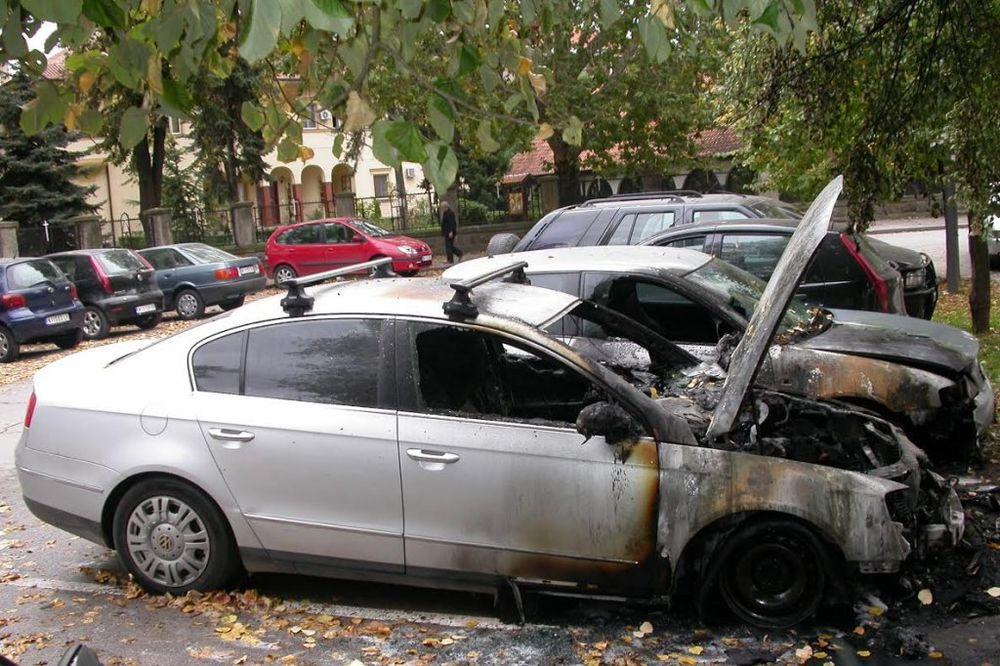 PALJEVINA U NIŠU: Izgoreo pasat, oštećena dva vozila!