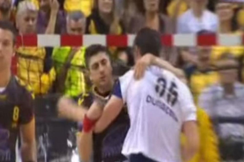 (VIDEO) HRVATSKI KANIBAL: Kopljar kao Suarez ujeo protivnika za rame