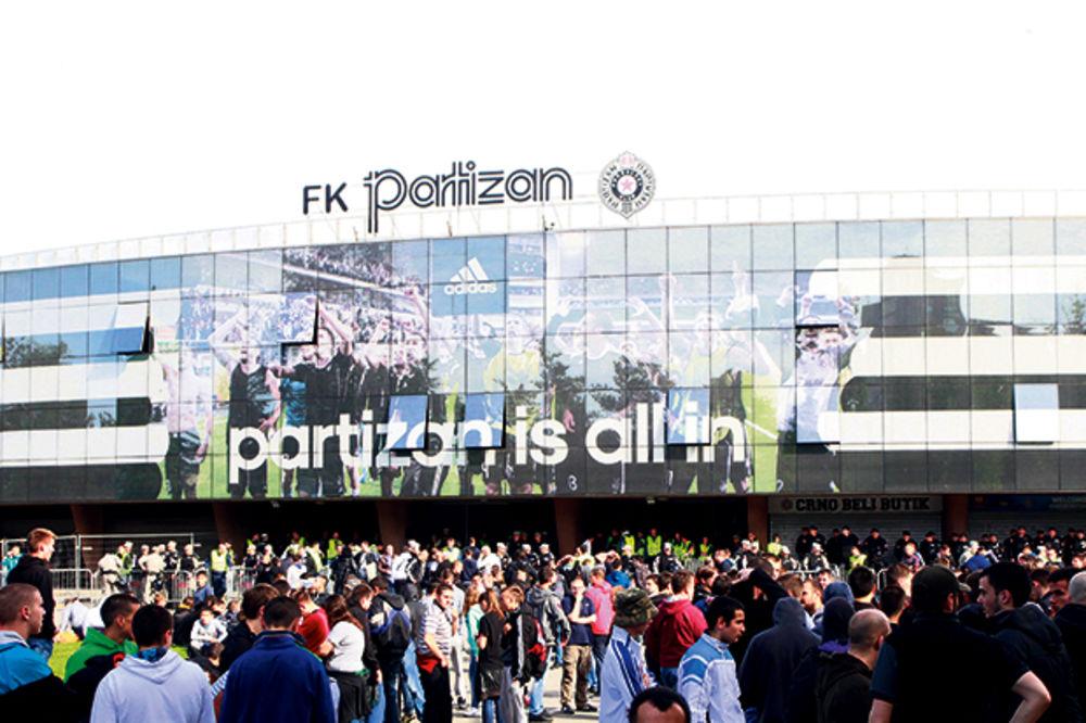 Direktor stadiona Partizana: Ne vraćamo ogradu za večiti derbi