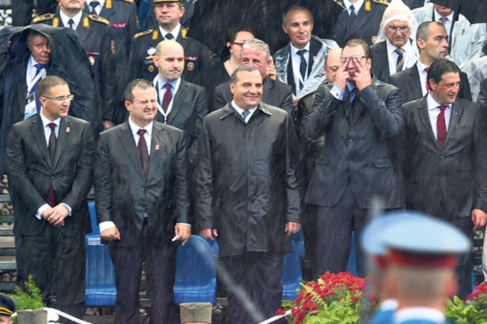 Jedno sasvim novo i drugačije Presidency..   - Page 25 582186_vladimir-putin-aleksandar-putin-ivica-dacic-vojna_ls
