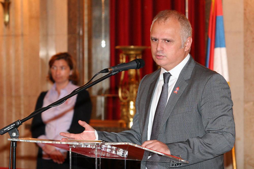 VESIĆ: Naredne nedelje nema više teretnog saobraćaja kroz Beograd!