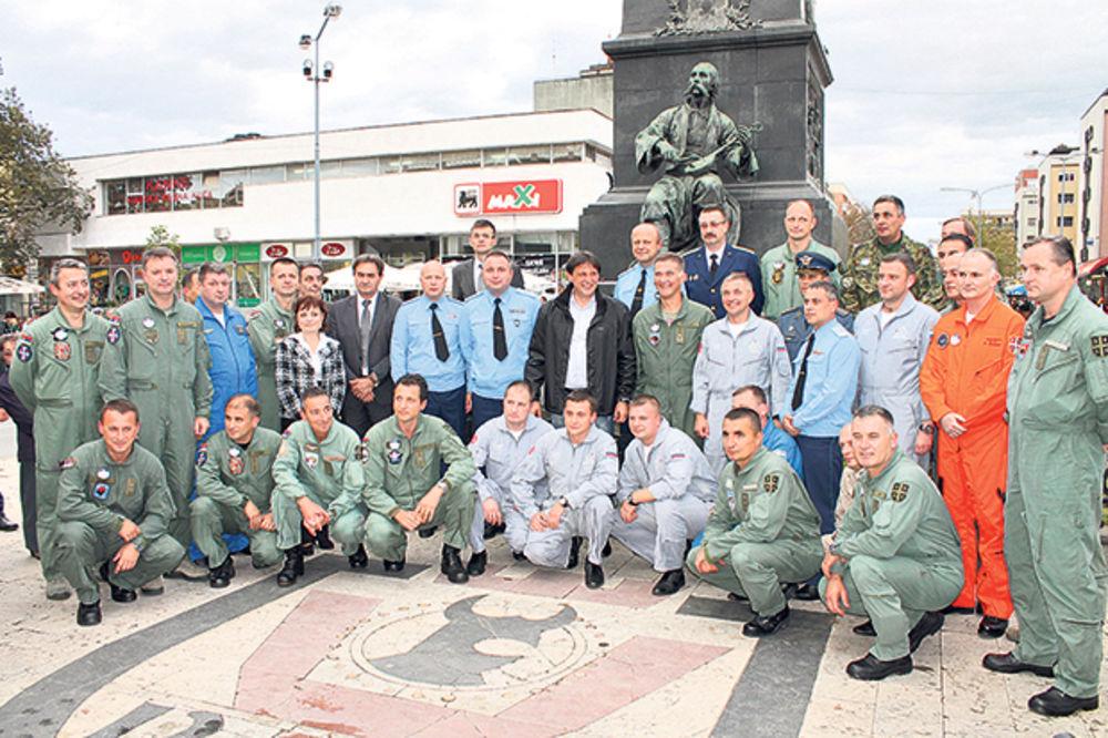 RUSKI STRIŽI OSTALI U SRBIJI: Ako treba branićemo zajedno naše domovine!