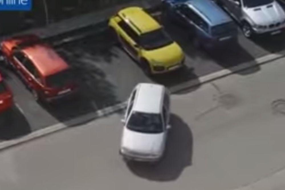 IZ ŠESTOG POKUŠAJA: Ono kad žena pokušava da parkira automobil!