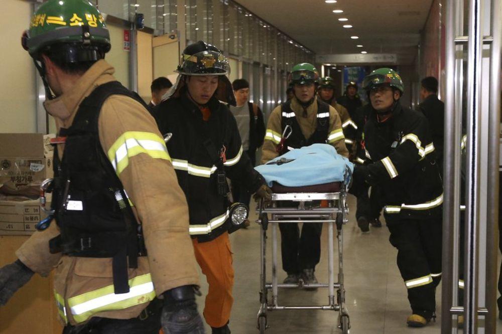 UBIO SE ORGANIZATOR: 16 mrtvih u nesreći na pop koncertu