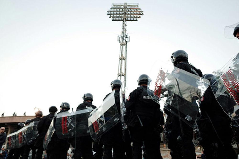 POLICIJA OBAVESTILA VEČITE: Fudbalski derbi u nedelju, 26. aprila