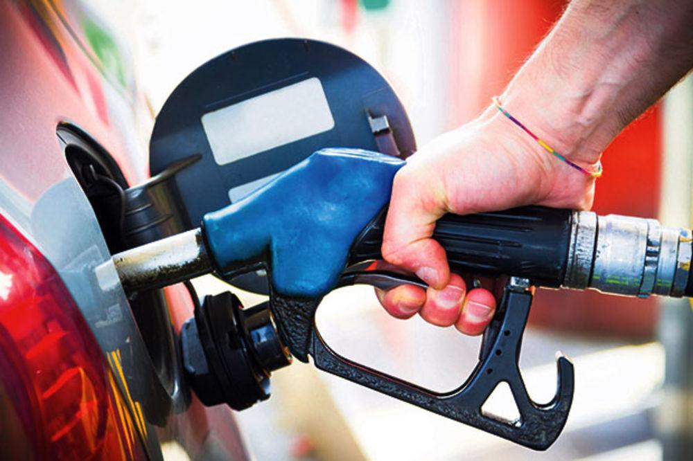 PUMPADŽIJE, GDE JE RIKVERC: Nafta jeftinija za 17 odsto, a cene goriva u Srbiji iste!
