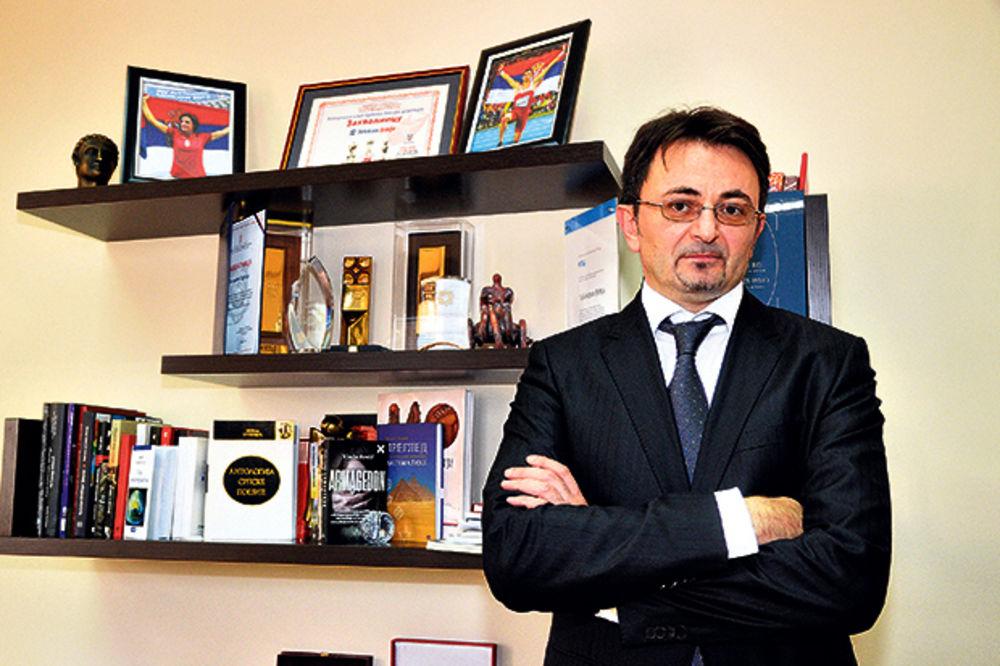 (VIDEO) PREDRAG ĆULIBRK: Telekom će u Srbiji prodavati ajfon za jedan dinar!