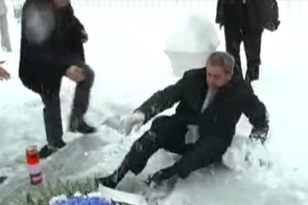 (VIDEO) OVO ĆE VAS NASMEJATI: Biseri Milana Bandića - od puzanja po snegu do spiking kroejša
