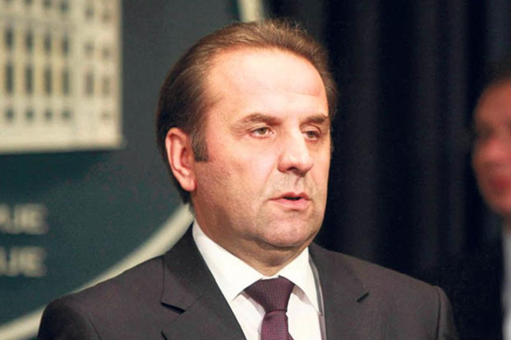 Ljajić: Upućeno pismo Tribunalu, konzul u poseti Šešelju i Hadžiću