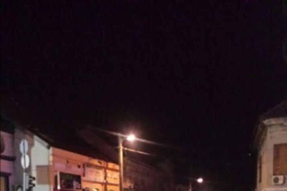 NESREĆA U ZEMUNU: BMW se zakucao u banderu!